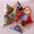 三角おもちゃ・多色千代紙柄